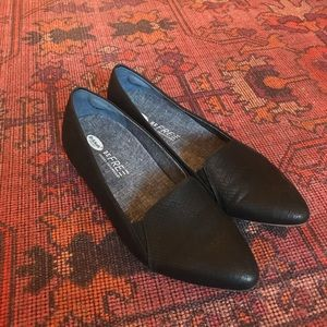 Dr. Scholl's supportive flats